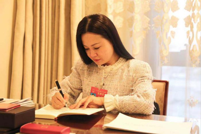 全国人大代表何敏:建议加大对返乡创业政策扶持力度