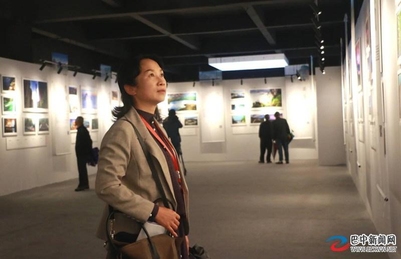 一地看遍24个泛巴区域城市之美 500余幅城市文旅摄影展开展